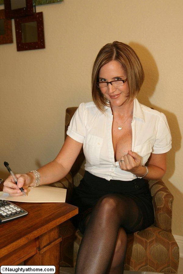 Milf secretary pictures