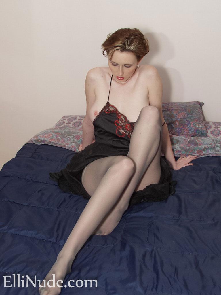 Nude nylon models in pics 640
